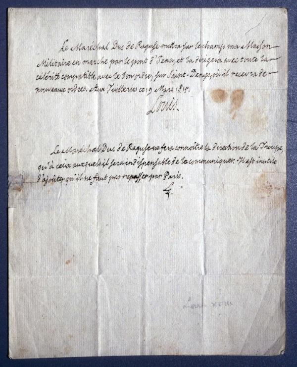 Lettre-autographe-signée-de-Louis-XVIII-au-dux-de-Raguse-pour-donner-ordre-de-fuire-Paris-devant-larrivée-de-Napoléon-mars-1815.jpg